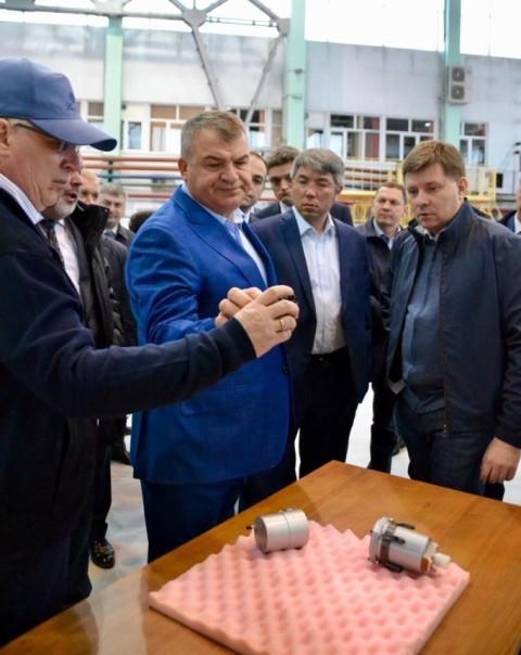 Экс-министр обороны РФ Сердюков поднимет теперь Улан-Удэнский и другие  авиазаводы?